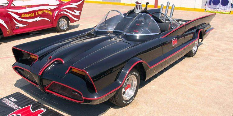 Fallece el creador del Batmóvil original, George Barris