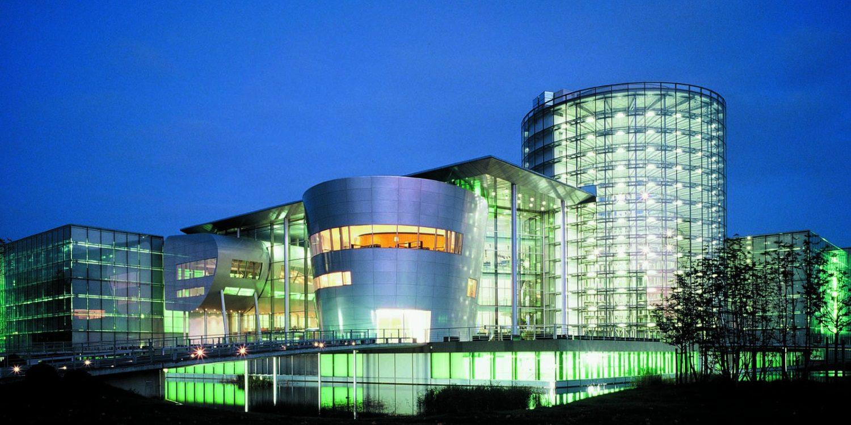 Volkswagen podría cerrar la fabrica de cristal del Phaeton