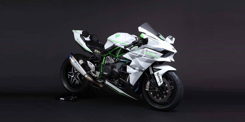 La Kawasaki H2-R luce espléndida en color blanco