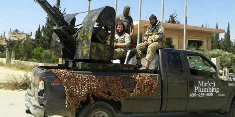Fontanero demanda concesionario cuando su vieja pick up aparece en la guerra de Siria