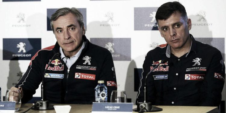 """Carlos Sainz: """"Este año sí que podemos disputar el Dakar"""""""