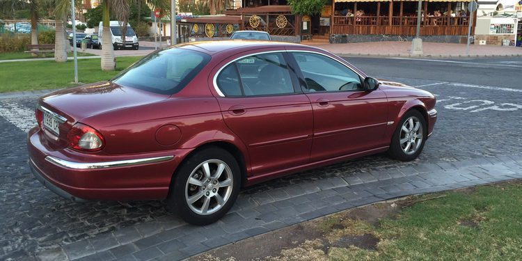 Jaguar X-Type 2.0 D Classic, las características técnicas del malogrado sedán