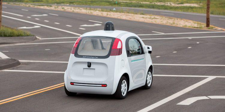 El coche autónomo de Google también se recargará solo
