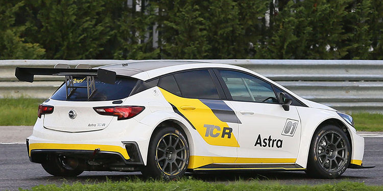 Target Competition tendrá siete Opel Astra en las TCR