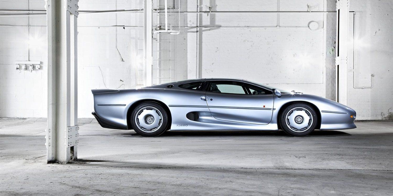 Vídeo: Jay Leno revisa el clásico pero aun espectacular Jaguar XJ220