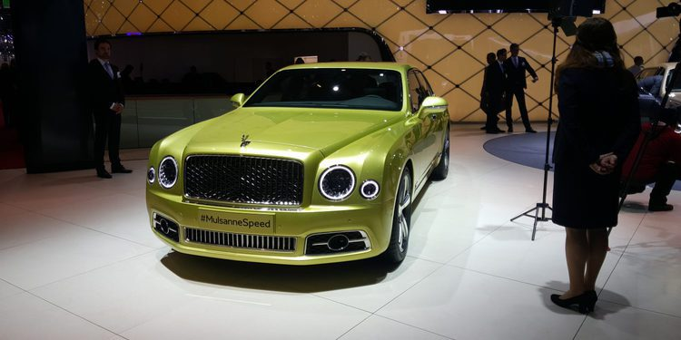 Bentley lleva al Salón de Ginebra dos berlinas de superlujo
