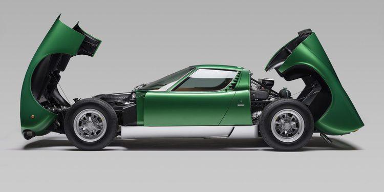Las imágenes del primer Lamborghini Miura SV restaurado por la marca