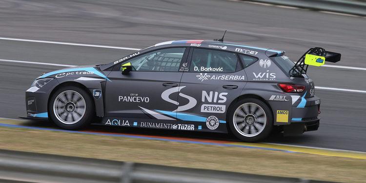 Dusan Borkovic prueba el León TCR en Valencia