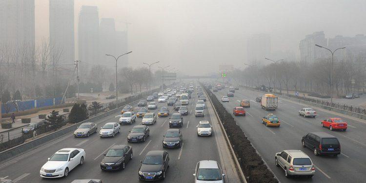 En Holanda proponen prohibir la venta de coches diésel y gasolina en 2025