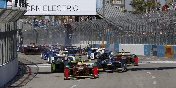 Lucas Di Grassi vence en Long Beach y es líder del mundial
