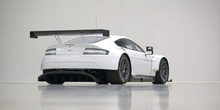 Aston Martin presentará esta semana un rival para el Porsche 911 GT3 RS