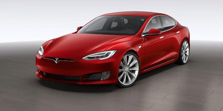 Oficial: Tesla presenta el restyling del Model S 2017