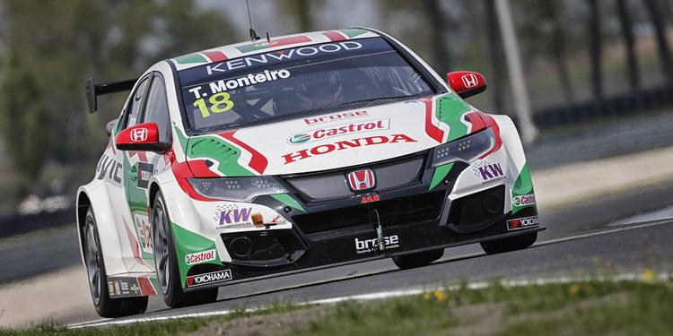Tiago Monteiro gana una emocionante carrera inicial en Slovakia Ring