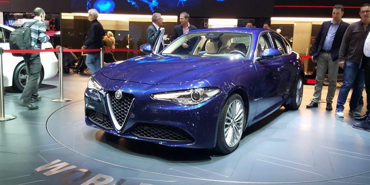 El primer Alfa Romeo Giulia sale de la línea de producción