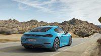 Porsche presenta los renovados 718 Cayman de cuatro cilindros