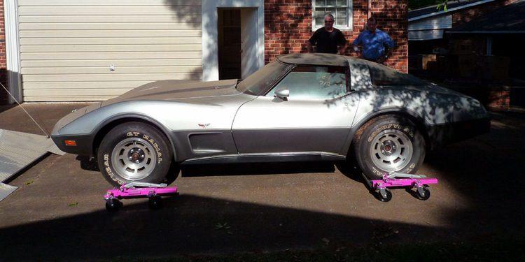 Encuentran un Corvette L82 Silver Anniversary a estrenar escondido desde hace 38 años