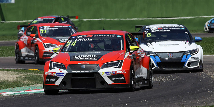 Pepe Oriola lidera las TCR International Series tras Imola