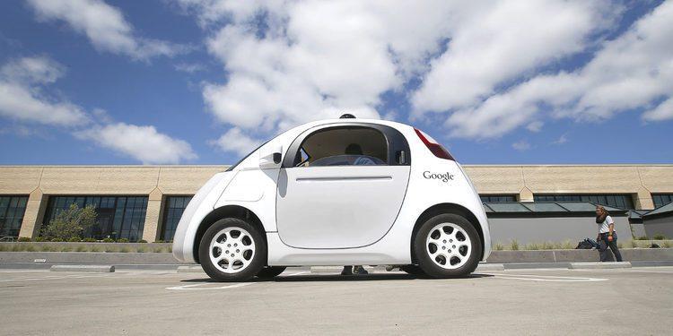 Los vehículos autónomos de Google aprenden a tocar el claxon