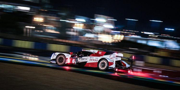 Toyota sigue líder a mitad de las 24 Horas de Le Mans