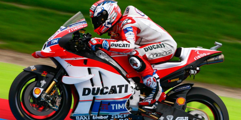 MotoGP: Dovizioso gana la pole en la locura de Assen