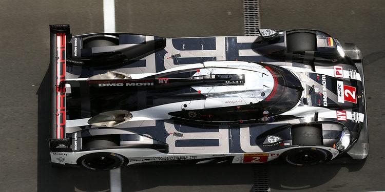 Porsche domina las sesiones libres del viernes en Nürburgring