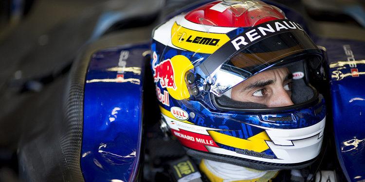 Sebastien Buemi domina el primer día de pruebas en Donington Park