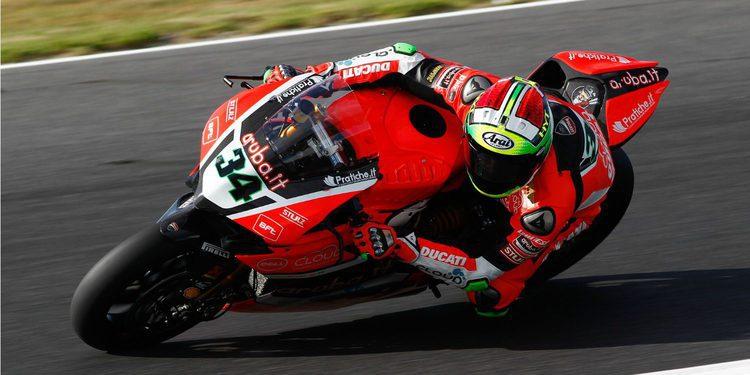 ¿Davide Giugliano en Moto2 con Sky Racing Team VR46?