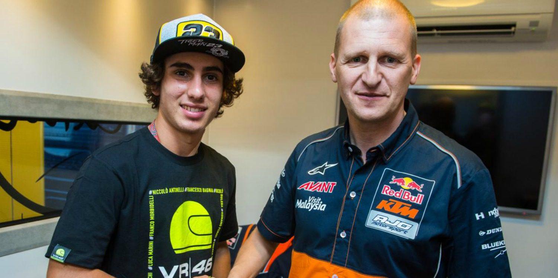 Niccoló Antonelli con el Red Bull KTM Ajo Moto3 en 2017