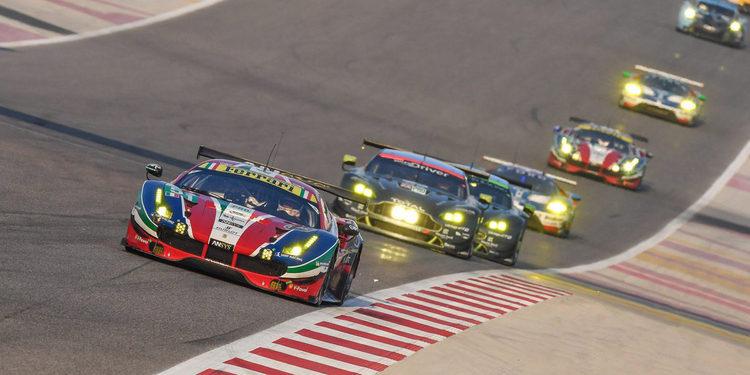 Ferrari y Aston Martin se doctoran en Baréin