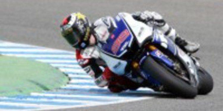 Casey Stoner vence en el GP de España de MotoGP por delante de Jorge Lorenzo