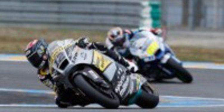 Thomas Luthi comienza mandando en Moto2