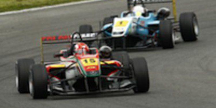 Raffaele Marciello vence en la primera carrera de Brands Hatch y lidera el europeo