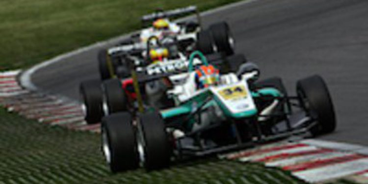Jazeman Jaafar gana al sprint en Brands Hatch