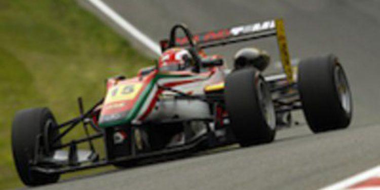 Raffaele Marciello dobla en Brands Hatch, es líder del europeo y Juncadella se mantiene en Euroseries