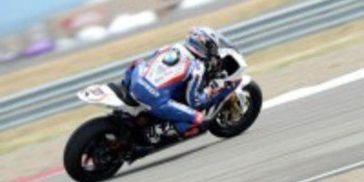 Marco Melandri da otra victoria a BMW en la segunda manga de Miller