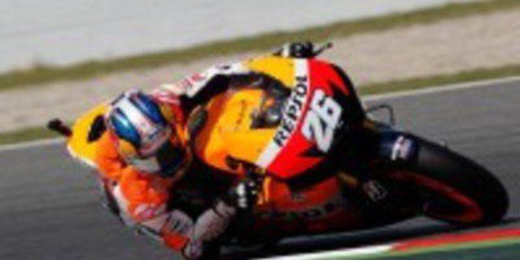 Casey Stoner encabeza el doblete de Honda en los FP1 de Catalunya
