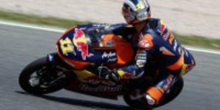 El francés Rossi cierra el viernes de Moto3 en Montmeló dominando