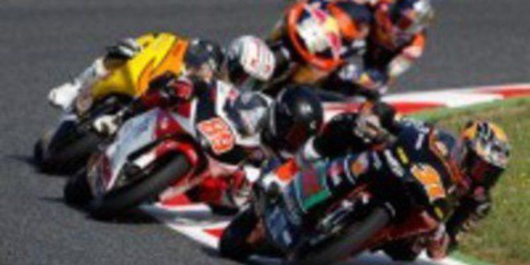 Maverick Viñales supera a Khairuddin por la pole de Moto3