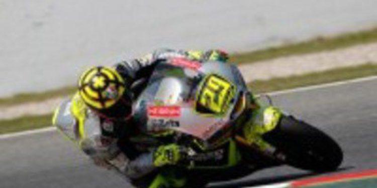 Andrea Iannone despunta en Catalunya por encima de Luthi y Márquez