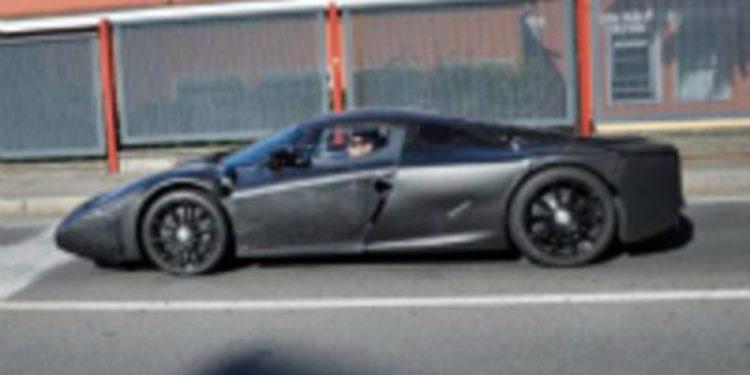 Fotografían un vehículo de pruebas de Ferrari en los alrededores de Maranello