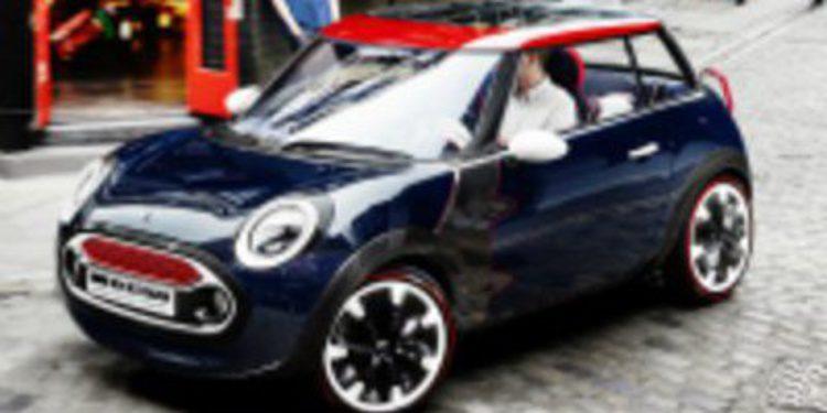 Mini hace rodar el Rocketman concept por Londres