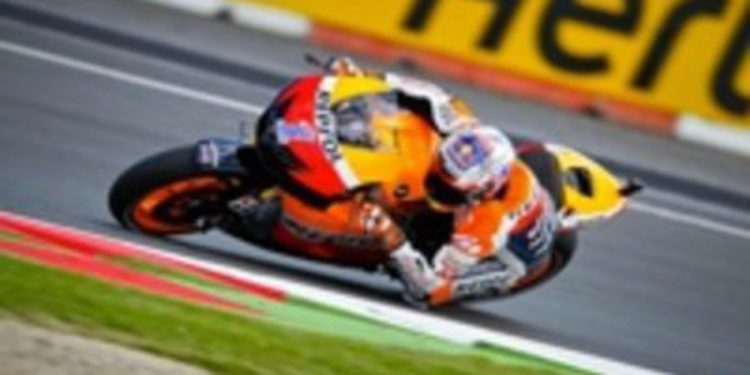 Casey Stoner se lleva el mejor tiempo del viernes en los FP2 de MotoGP en Silverstone