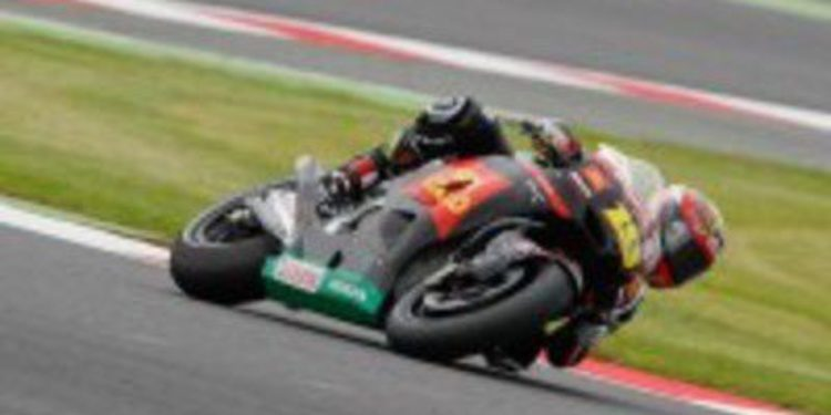 La lluvia da su primera pole en MotoGP a Álvaro Bautista