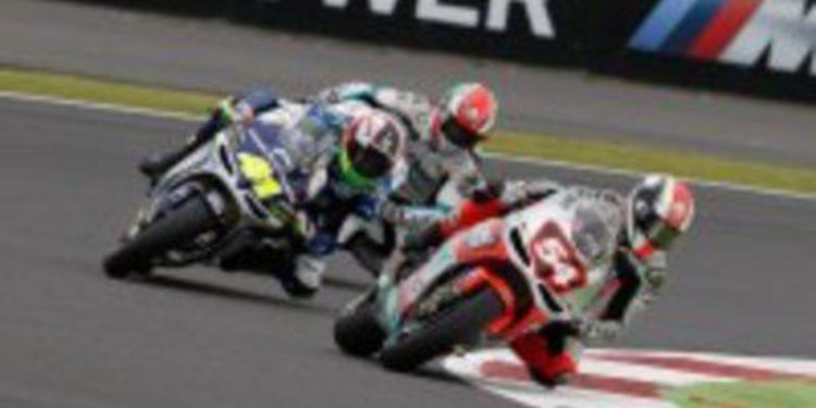 Mattia Pasini salió de Silverstone desesperado por sus problemas