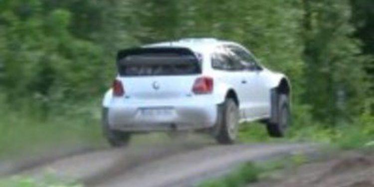 Volkswagen y Sebastien Ogier prueban el Polo R WRC en Finlandia