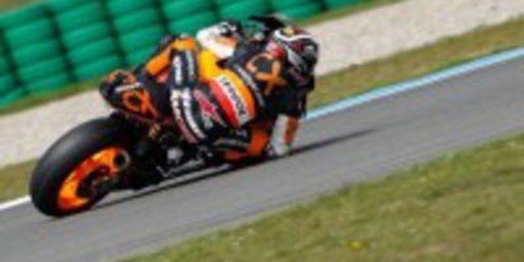 """Marc Márquez da una """"machada"""" a la carrera y al Mundial de Moto2 en Assen"""