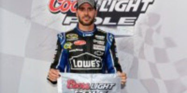 Jimmie Johnson rompe su sequía con la pole en Kentucky