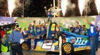 Brad Keselowski se anota el triunfo en la carrera nocturna de Kentucky