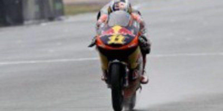 Sandro Cortese consigue una pole holgada en un empapado Sachsenring