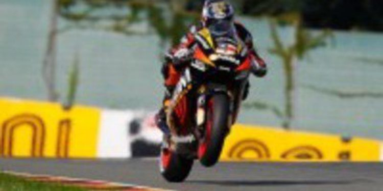 Colin Edwards y el Forward Racing Team piensan en la FTR Honda